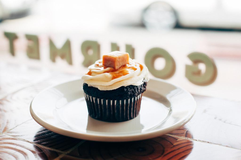 Carmel Chocolate Cupcake